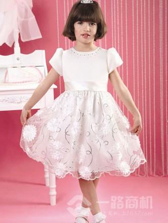 童装加盟--害羞公主