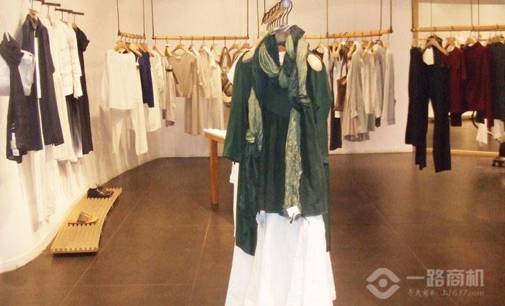 江南布衣服装加盟