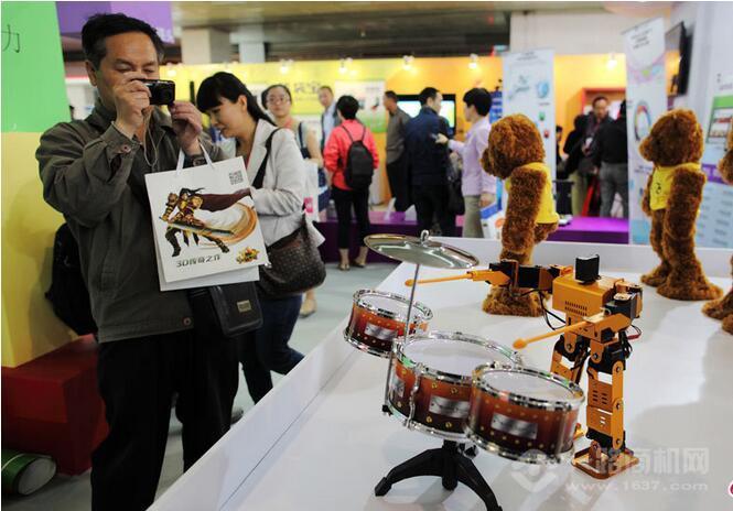 科睿机器人作品展览