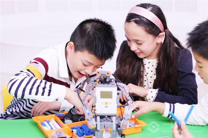乐高机器人教育加盟