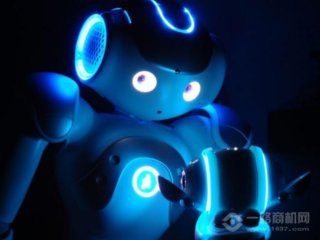 新創客機器人