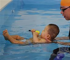 33度嬰幼兒游泳館
