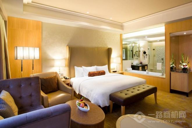 皇冠假日酒店
