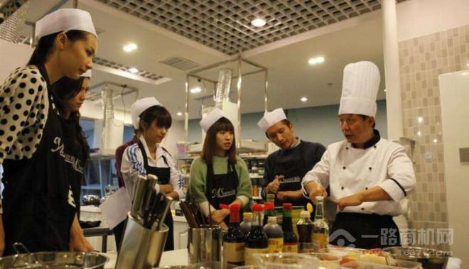 曼思欢乐厨房千赢国际app手机下载安装