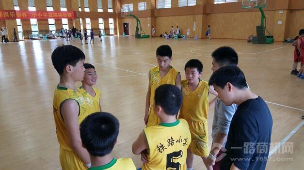 李秋平篮球俱乐部