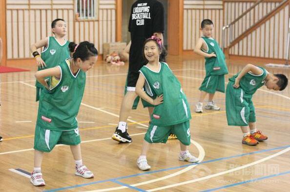 李秋平篮球俱乐部加盟
