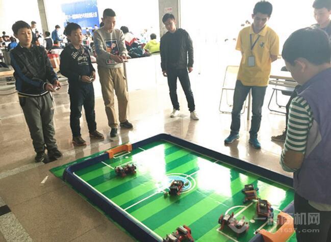 韩端机器人教育