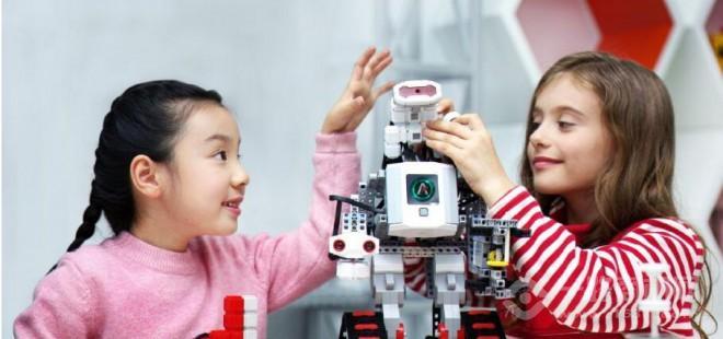 西觅亚机器人教育