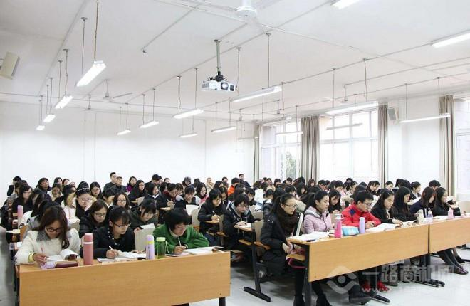 艺博教育加盟