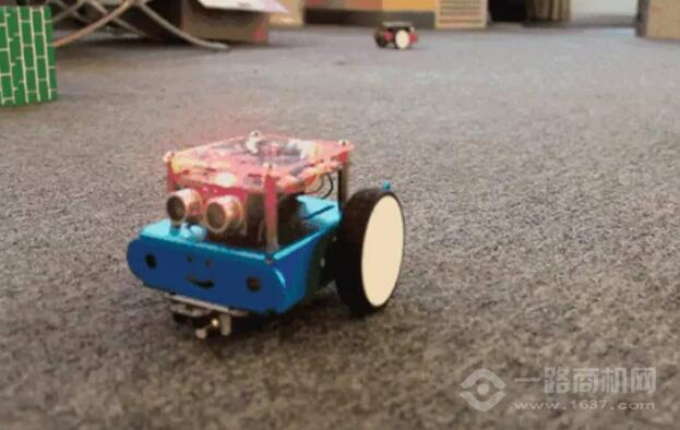 小卡机器人