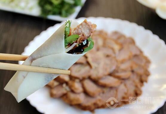 京师傅卷饼烤鸭加盟