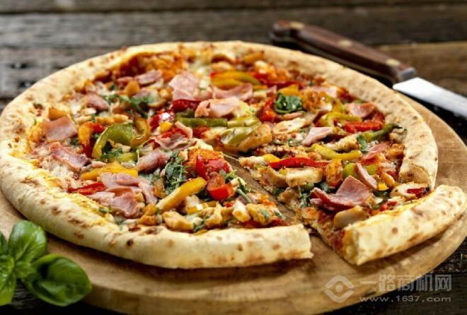 牛男手造披萨