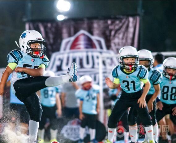 巨石达阵橄榄球学院