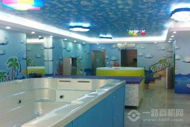 萌卡哆哆嬰兒游泳館
