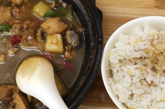 百草香黄焖鸡米饭加盟