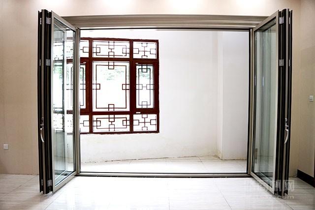 铝合金折叠门03