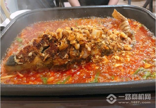 酥先生烤鱼饭加盟