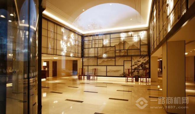 唐拉雅秀酒店