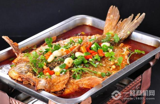 鱼小渝荔枝烤鱼加盟
