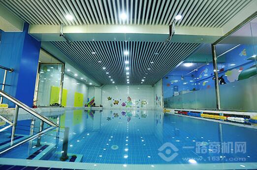 悅游國際親子游泳俱樂部加盟