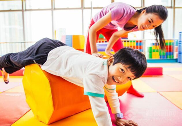 酷童少兒體適能運動館加盟