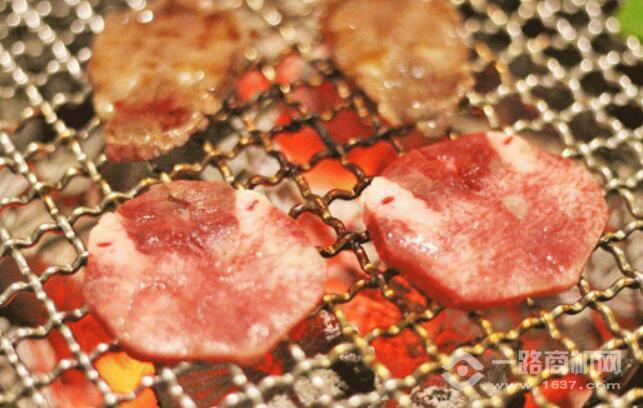 黑牛的店炭火烧肉加盟