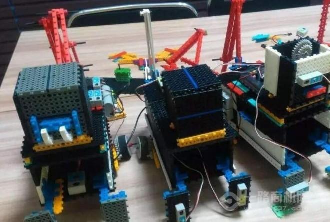 1号全脑机器人教育加盟
