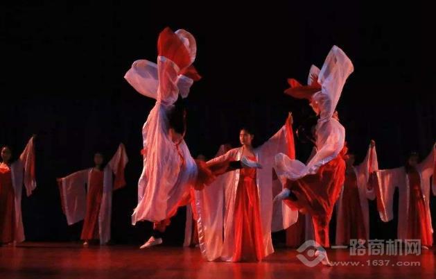 輕舞飛揚舞蹈加盟