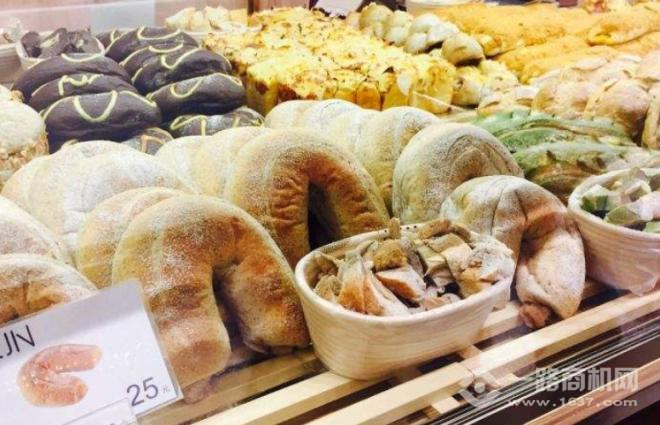 18FUN面包加盟