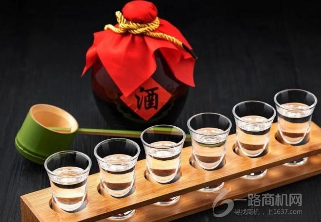 六福春白酒加盟